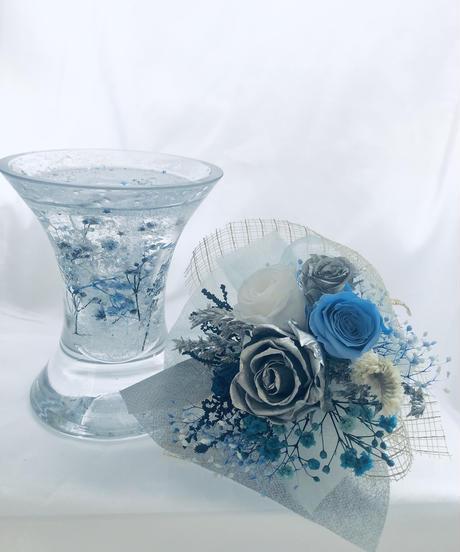 プリザーブドフラワーシルバーローズとミニ薔薇の花束ガラス花器アレンジ(フラワーケースリボンラッピング付き)