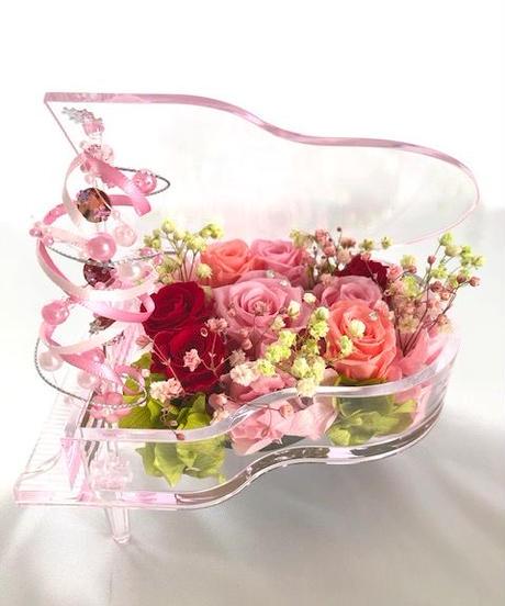 【プリザーブドフラワー/グランドピアノシリーズ】ピンクの薔薇と小花の美しい旋律【リボンラッピング付き送料無料】【お祝い 演奏会 音楽 ピアノ フラワーギフト】