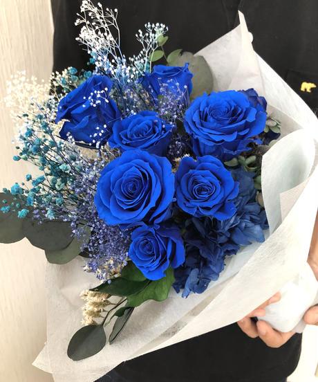 プリザーブドフラワー/青い薔薇と小花の花束