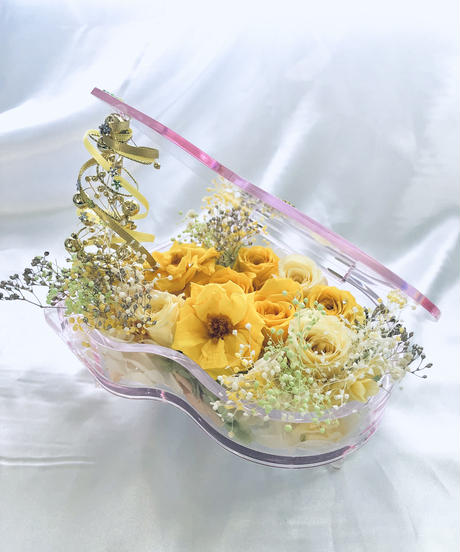 プリザーブドフラワー/ピアノアレンジ黄色の薔薇の祝福の音色(フラワーケースリボンラッピング付き)