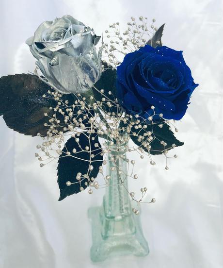 プリザーブドフラワーシルバーと青い薔薇の花束ギフト