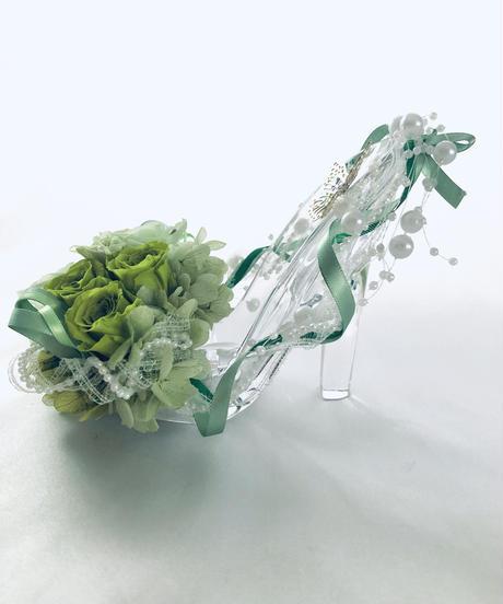 プリザーブドフラワーガラスの靴アレンジ・グリーンローズ・フラワーケースリボンラッピング付き