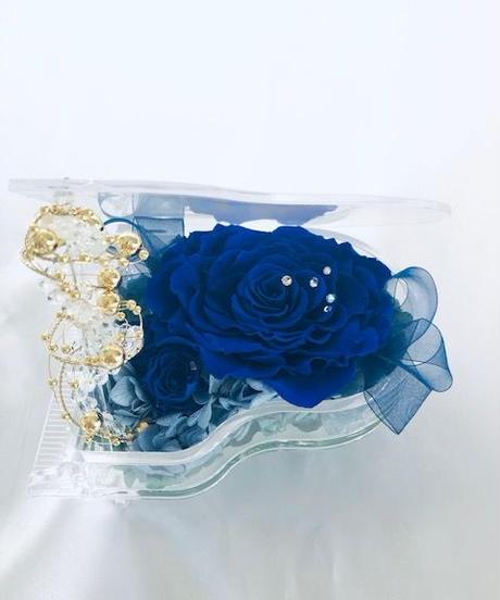 【プリザーブドフラワー/グランドピアノシリーズ】青い薔薇が心に秘めた静かで深いメッセージ