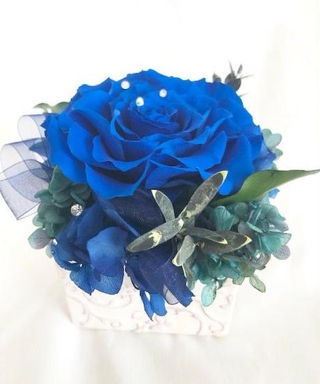 プリザーブドフラワー幸福の青い薔薇 魔法の枯れないお花【リボンラッピング付き】