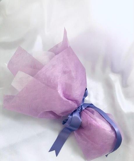 【プリザーブドフラワー/紫の薔薇のふんわり一輪ラッピング】