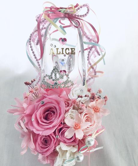 【プリザーブドフラワー/ガラスの靴アレンジ】ティアラとリボンと薔薇たちのプリンセスの恋 リングピロー使用もOK(フラワーケース付き送料無料)