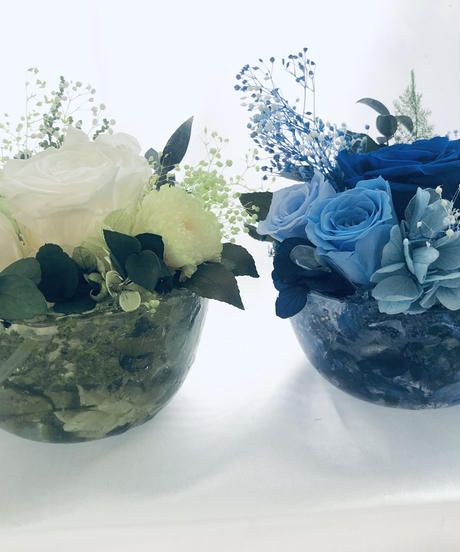 プリザーブドフラワー/青い薔薇とハーバリウム花器コラボアレンジ1個限定(フラワーケースリボンラッピング付き)