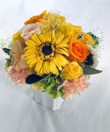 プリザーブドフラワーアレンジ お日さま色した陽気な花たち フラワーケース付き