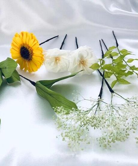 【プリザーブドフラワー/黄色のガーベラと白ローズ、グリーンのヘッドドレス・髪飾り】