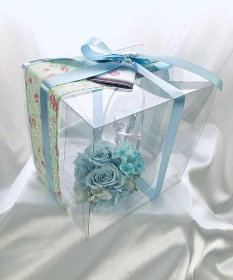 プリザーブドフラワー/ガラスの靴シリーズ】ベビーブルーローズとブルースターふたつの爽やかな青が溶け合う透明で静かな時間【誕生日 お祝い フラワーギフト シンデレラ】