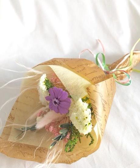 【プリザーブドフラワー/ラベンダージニアと小花をふんわりと優しく束ねた少女の花束/花束ラッピング付き】