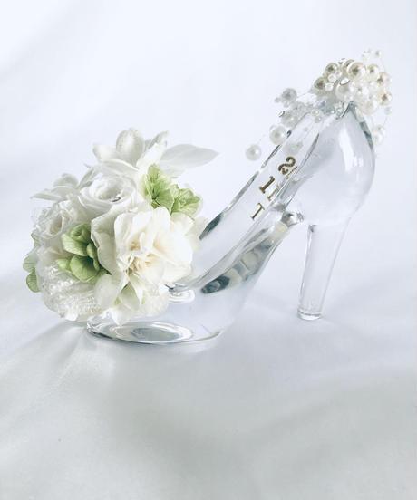 【プリザーブドフラワー/胡蝶蘭と薔薇ジャスミンのガラスの靴】シンデレラの魔法の時間【フラワーケースリボンラッピング付き】