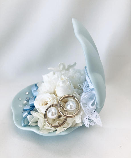【プリザーブドフラワー/貝殻に白いお花とレースを添えて/リングピロー使用OK】【専用フラワーケースリボンラッピング付き】