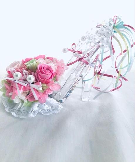 【プリザーブドフラワー/ガラスの靴】優しいピンクの薔薇とリボンやビーズをガラスの靴にいっぱい飾って