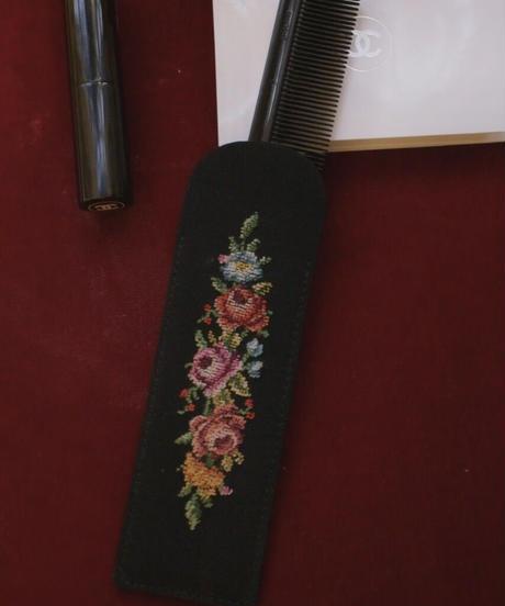 ATQ petit point mini comb UK