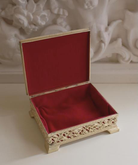 gold decorative jewelry box