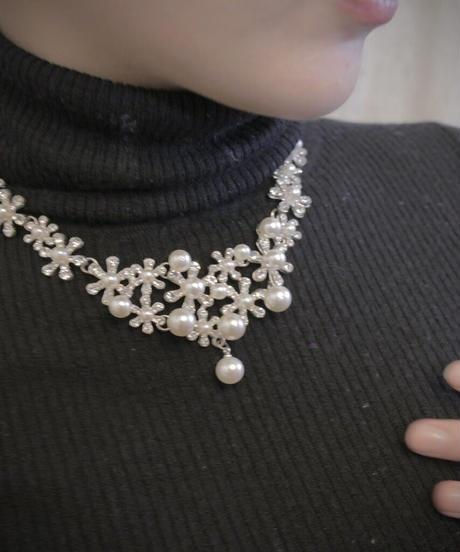VTG pearl motif necklace
