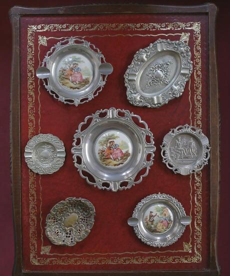 vintage metal lady tray Ⅲ