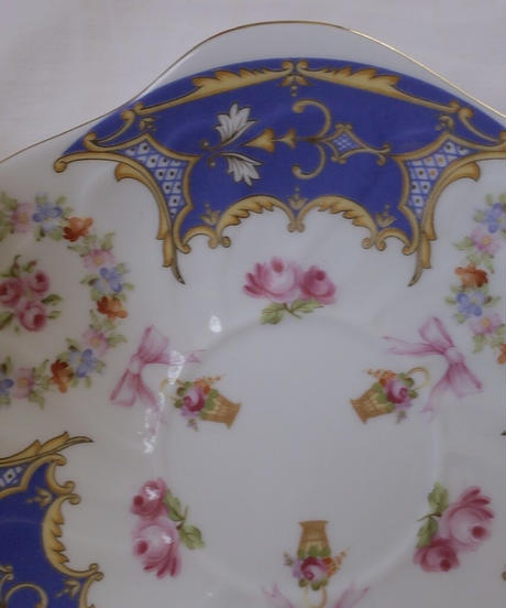 rococo motif cup