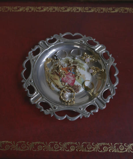 vintage metal lady trayⅡ