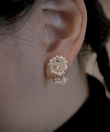 VTG pearl beads earring