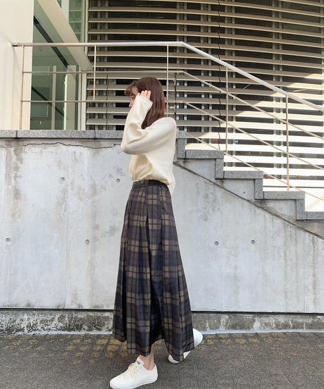 チェック柄ボリュームタックロングスカート
