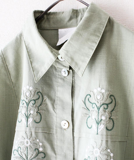 【tiny yearn】Euro Embroidery Blouse