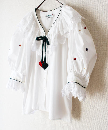 【tiny yearn】Euro Heart Lace White Tyrol Blouse