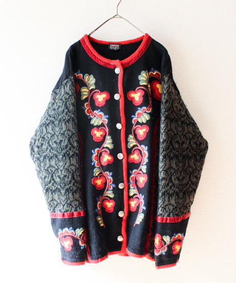 【tiny yearn】Flower Embroidery Cardigan