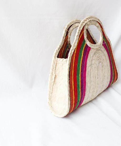 Handicraft raffia bags in Mexico/S
