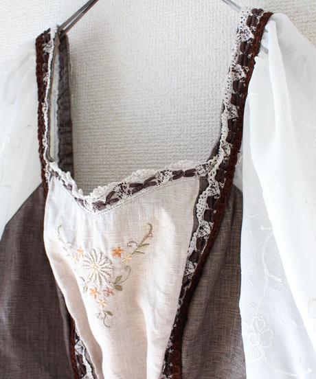 【Seek an nur】Euro Embroidery Tyrol Linen Tops