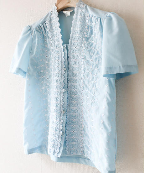 【Seek an nur】Flower Embroidery Blouse