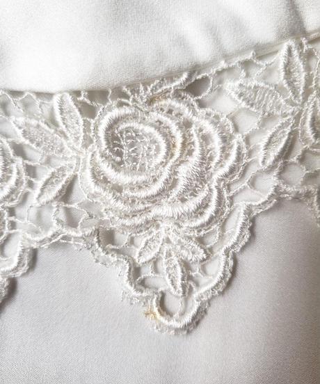 【Seek nur】Bowtie Lace Design White Blouse