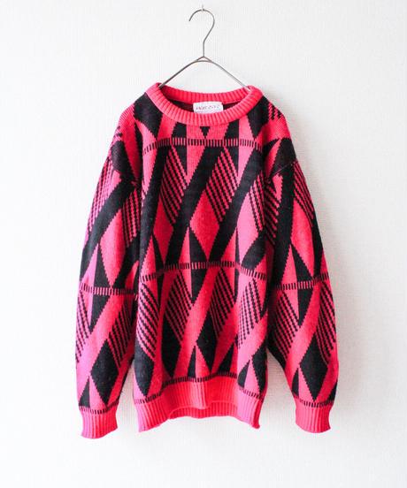 【tiny yearn】Pink×Black Geometric Sweater