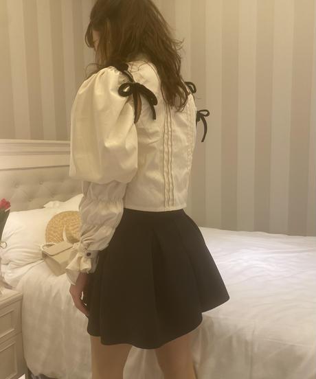 puff ribbon design blouse