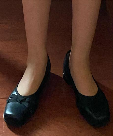 square toe ribbon shoes