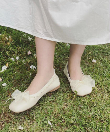fluffy ribbon ballet shoes -white-