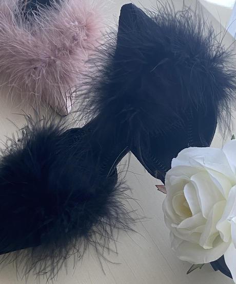 fur mule / black