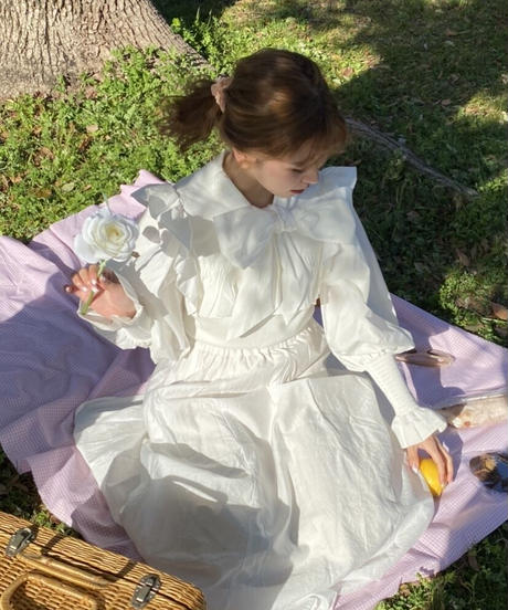 white frill ribbon blouse