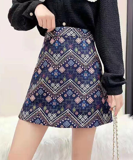総柄ミニスカート:2色展開
