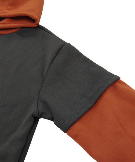 レイヤード風配色パーカー:2色展開