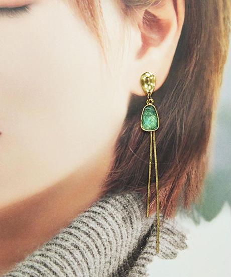 green lineピアス