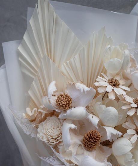 White Dried flower Bouquet:Medium