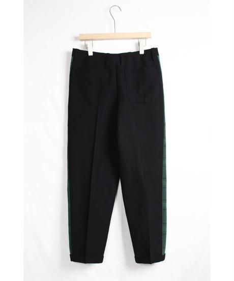 pt-26B   black line pants