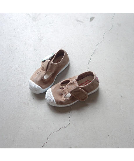 Cienta   T-strap shoes NEW