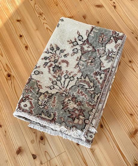 Lily vintage | rug palmette 213 × 113cm