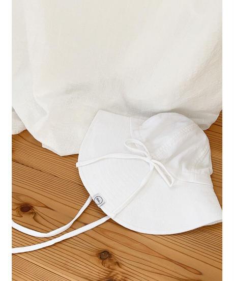 fini. | floppy - crisp white