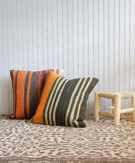 Lily vintage   vintage cushion cover -orange black red-