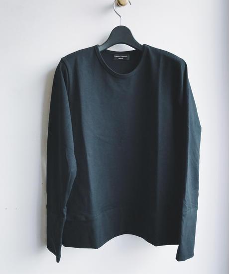 Long‐ sleeved Tshirt
