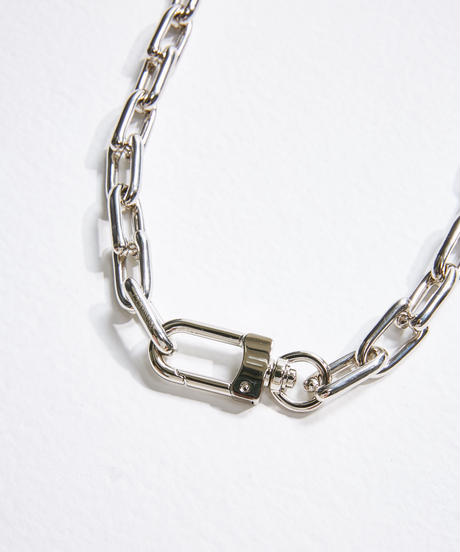 REFLECTION CHAIN NECKLACE